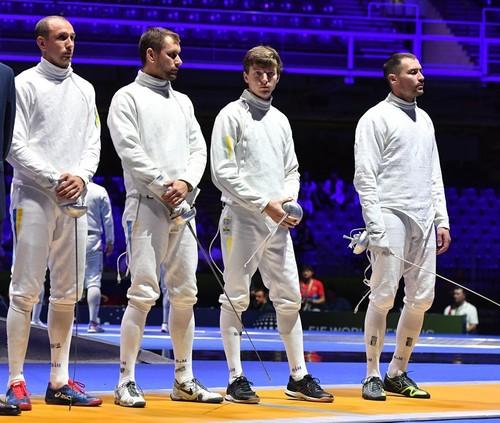 ЧМ по фехтованию. Украинские шпажисты вышли в полуфинал
