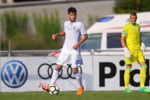 Динамо отдало Алибекова в Слован