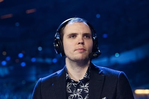 AdmiralBulldog назвал фаворита The International 2019