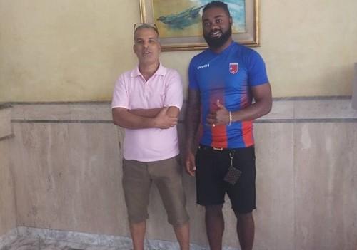 Экс-игрок Динамо Лукман Аруна перешел в клуб из Туниса