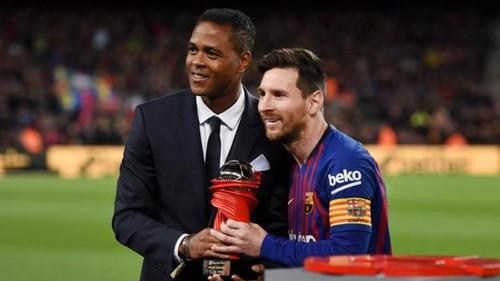 КЛЮЙВЕРТ: «Могу многое сделать для развития молодых игроков Барселоны»