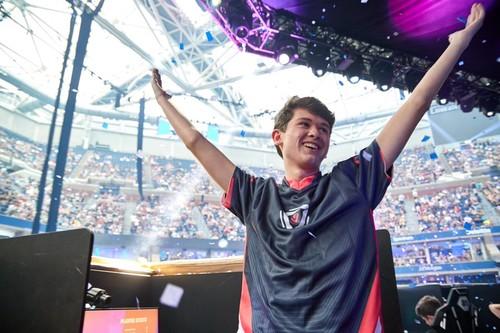 16-летний школьник стал чемпионом мира по Fortnite и заработал $3 млн