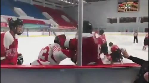 ВИДЕО. Жесткая драка хоккеистов Китая и Гонконга