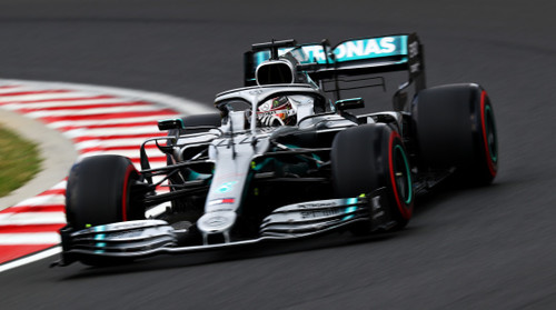 Хэмилтон быстрейший в третьей практике в Венгрии, соперники рядом