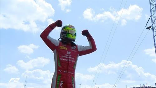 ВИДЕО. Мик Шумахер выиграл свою первую гонку в Формуле-2