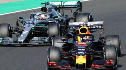Хэмилтон выиграл Гран-при Венгрии, Мерседес красиво переиграл Ред Булл
