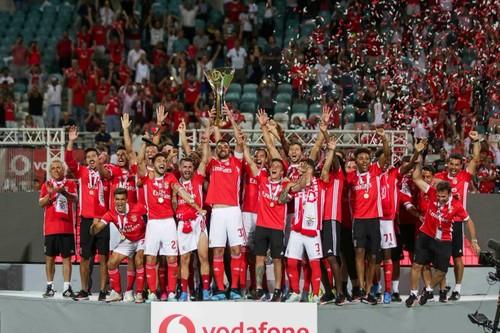 Бенфика уничтожила Спортинг и завоевала Суперкубок Португалии