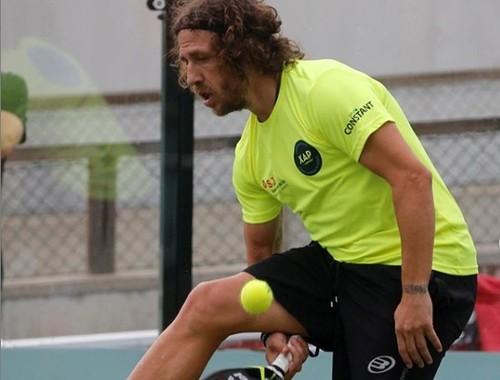 ФОТО. Поиграл в теннис. Пуйоль шокировал фанатов своими травмами