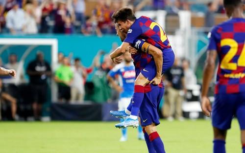 Барселона обыграла Наполи в товарищеском матче