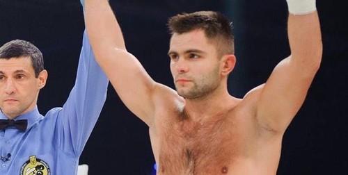 Митрофанов нокаутировал Яцкевича в 4-м раунде