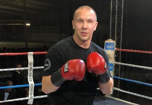 ВИДЕО. Как украинский боксер мощно нокаутировал нигерийца