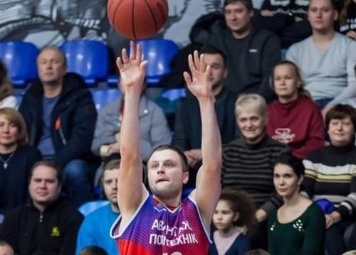 Харьковские Соколы подписали Романа Козлова
