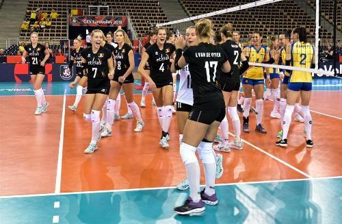 Украина начала чемпионат Европы с крупного поражения
