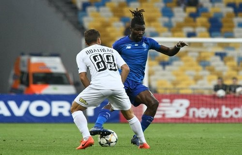 Олимпик отстоял ничью с Динамо в матче с двумя удалениями