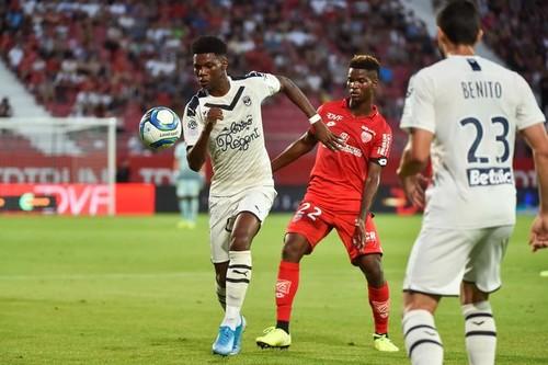 Бордо и Нант одержали гостевые победы в Лиге 1