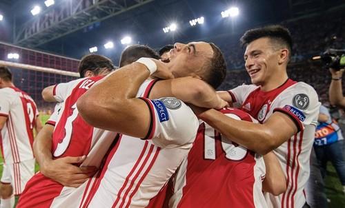 Лига чемпионов. Аякс, Брюгге и Славия вышли в групповой этап