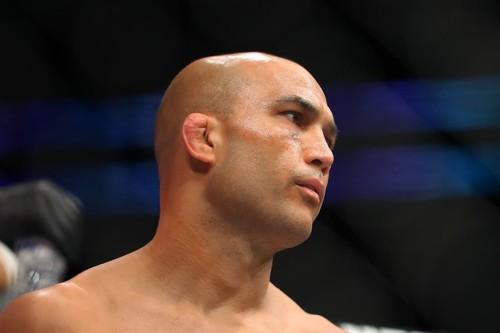ВИДЕО. Легенда UFC Пенн был нокаутирован в пьяной драке