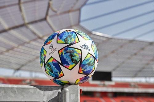 ФОТО ДНЯ. Представлен новый мяч Лиги чемпионов на сезон 2019/2020