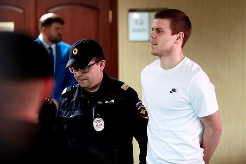 Кокорин и Мамаев признаны виновными в побоях и хулиганстве