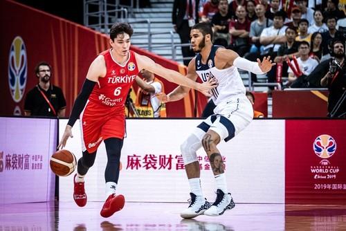 ЧС з баскетболу. Збірна США вирвала перемогу у Туреччини в овертаймі
