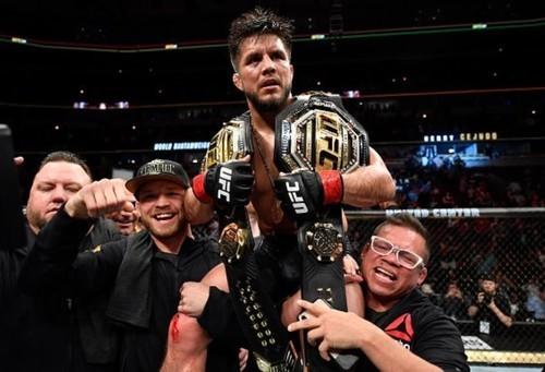 Чемпион UFC Сехудо: «Ломаченко может преклонить колени передо мной»