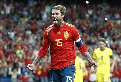 Испания в меньшинстве обыграла в гостях Румынию