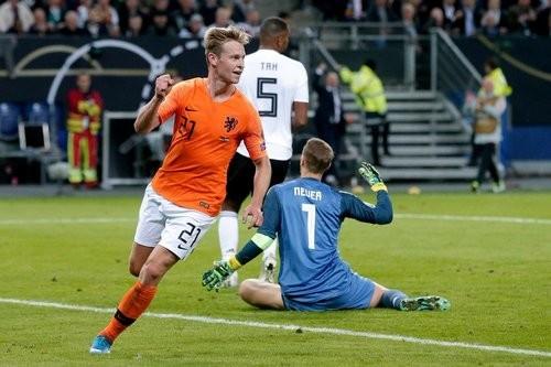 Сборная Нидерландов проявила характер и в Гамбурге обыграла Германию