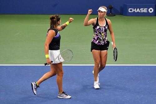 Мертенс і Соболенко виграли парний фінал US Open