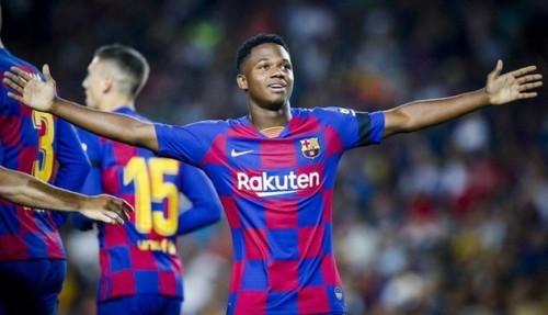 Барселона разгромила Валенсию