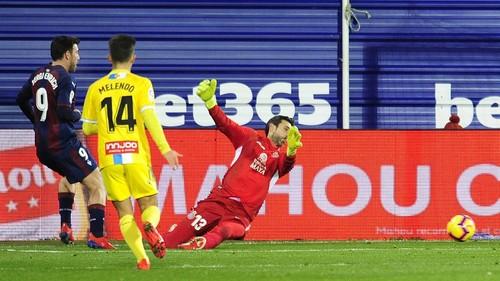 Эспаньол на выезде одержал волевую победу над Эйбаром