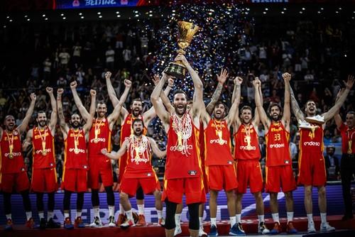 Никогда такого не было и вот опять: Испания вновь чемпион мира