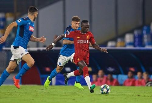 Наполи победил Ливерпуль благодаря двум голам в концовке