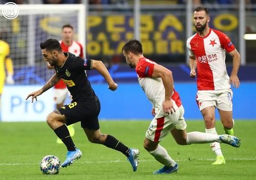 Группа F. Интер вырвал ничью в домашнем матче со Славией