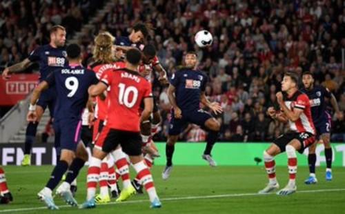 Борнмут переиграл Саутгемптон и вышел на 3-е место в Премьер-лиге
