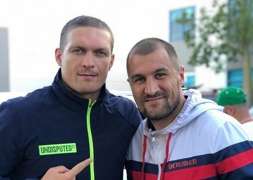 ФОТО. Усик тренируется с Сергеем Ковалевым