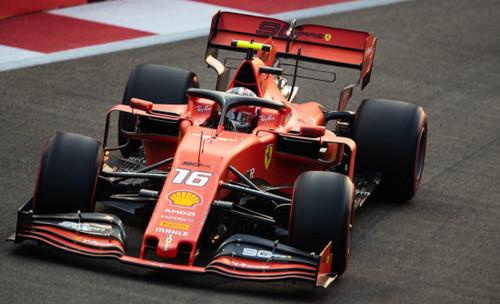 Леклер сенсационно и красиво взял поул Гран-при Сингапура
