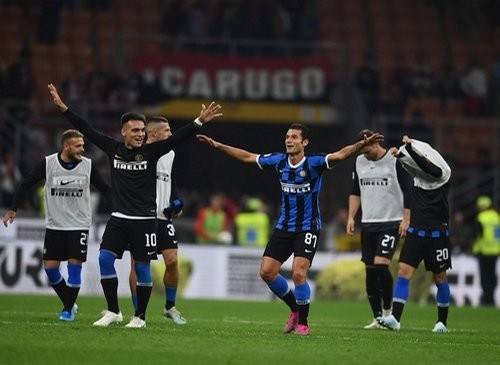 Милан – Интер – 0:2. Видео голов и обзор матча