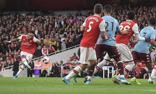 В драматическом матче Арсенал вырвал волевую победу у Астон Виллы