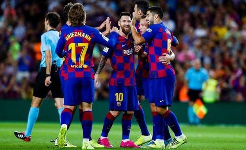 Барселона прервала неудачную серию домашней победой над Вильярреалом
