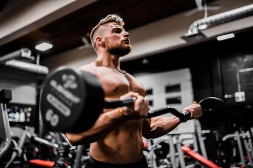 программа для тренировок в фитнес клубе для мужчин