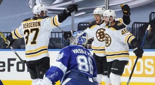 НХЛ. Битва Бостона и Тампы, Вегас оформил 5 шайб