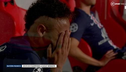 ФОТО. Неймар расплакался после поражения от Баварии