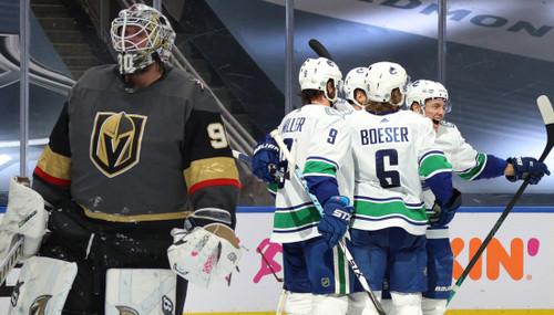 НХЛ. Тампа-Бэй выиграла в овертайме, 5 шайб Ванкувера