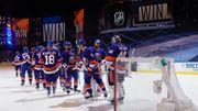 НХЛ вернулась после паузы. Тампа бьет Бостон, успехи Айлендерс и Вегаса