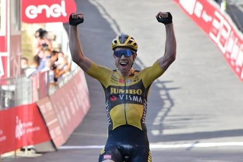 Тур де Франс. Ван Арт выиграл пятый этап, Йейтс перехватил лидерство