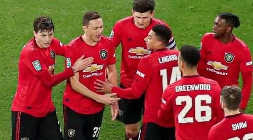 В Манчестер Юнайтед планируют вернуться к работе 10 апреля