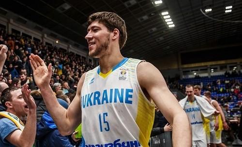 Капитан сборной Украины Кравцов перешел в Днепр