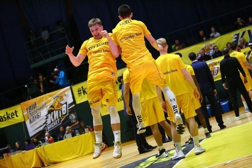Киев-Баскет отправил двоих игроков в Одессу