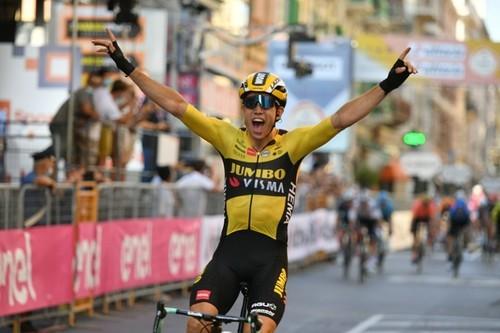 Тур де Франс. Вторая победа Ван Арта, потери Погачара и Ланды