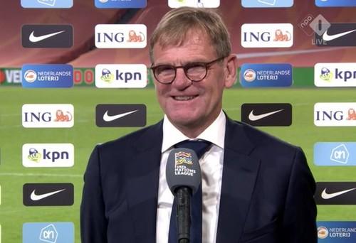 Новый тренер Нидерландов начал с победы: «Куман написал мне смс»